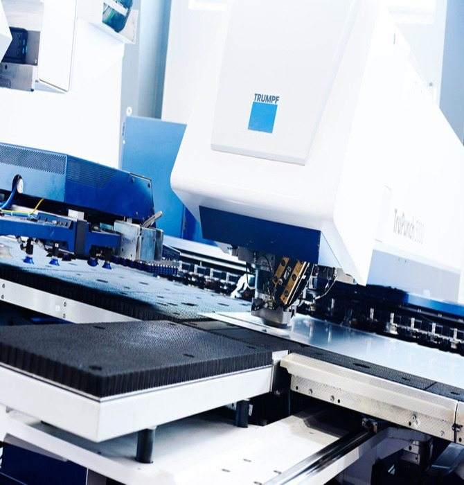 Second source på revolverstansning - Hosta Industries A/S